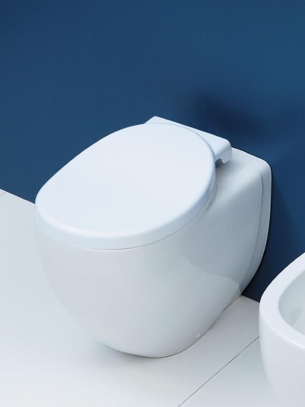 Io Toilet staand